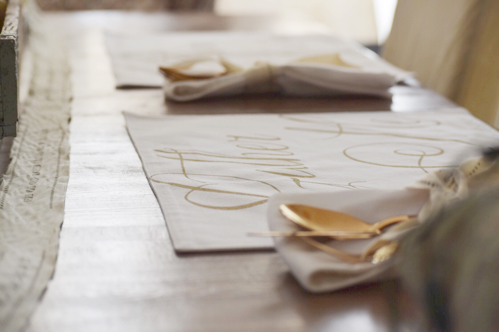 side-veiw-of-place-mats