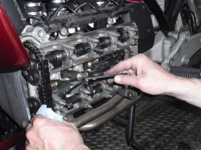 Ventilspielkontrolle an einer BMW K100
