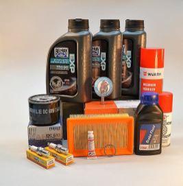 Motoröl Bel Ray 15W-50, Bremsenreiniger, Bremsflüssigkeit, Dichtring M24, Zündkerzen, Ölfilter Mahle OC 619, Kettenfett IPONE, Luftfilter