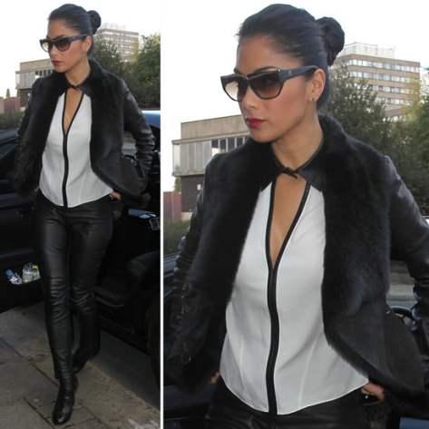 Nicole Scherzinger, moda, ochelari, coc, camasa alba, pantaloni de piele