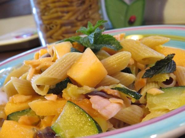 pasta zucchine salmone e melone