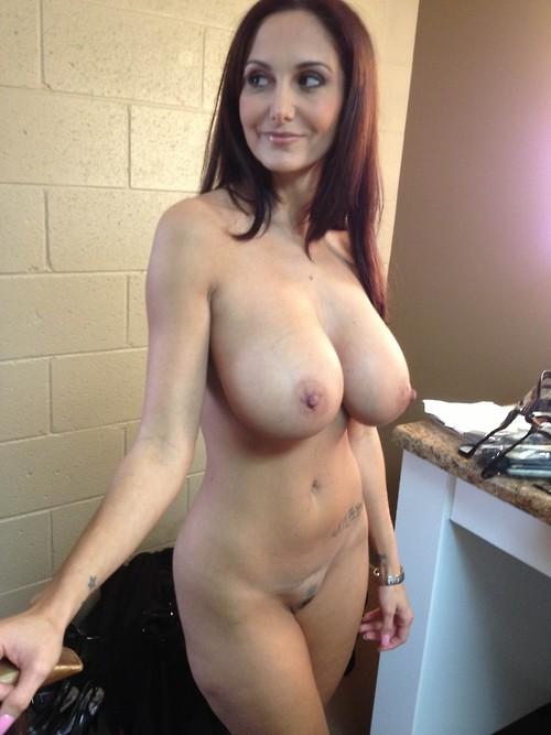 Milf Hot Moms Nude