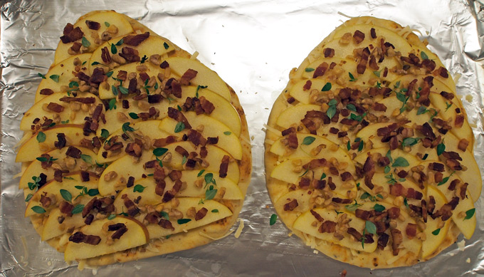 Apple-Bacon-Naan-Pizza-9