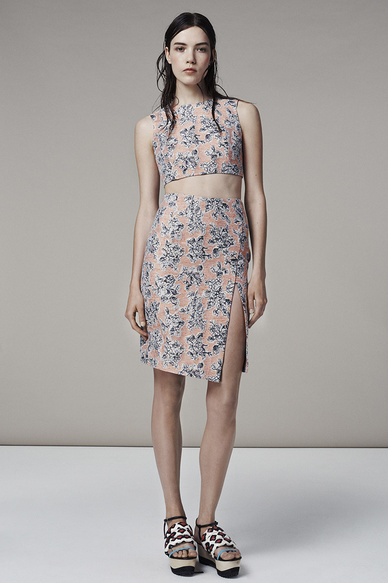 Thakoon Resort 2015