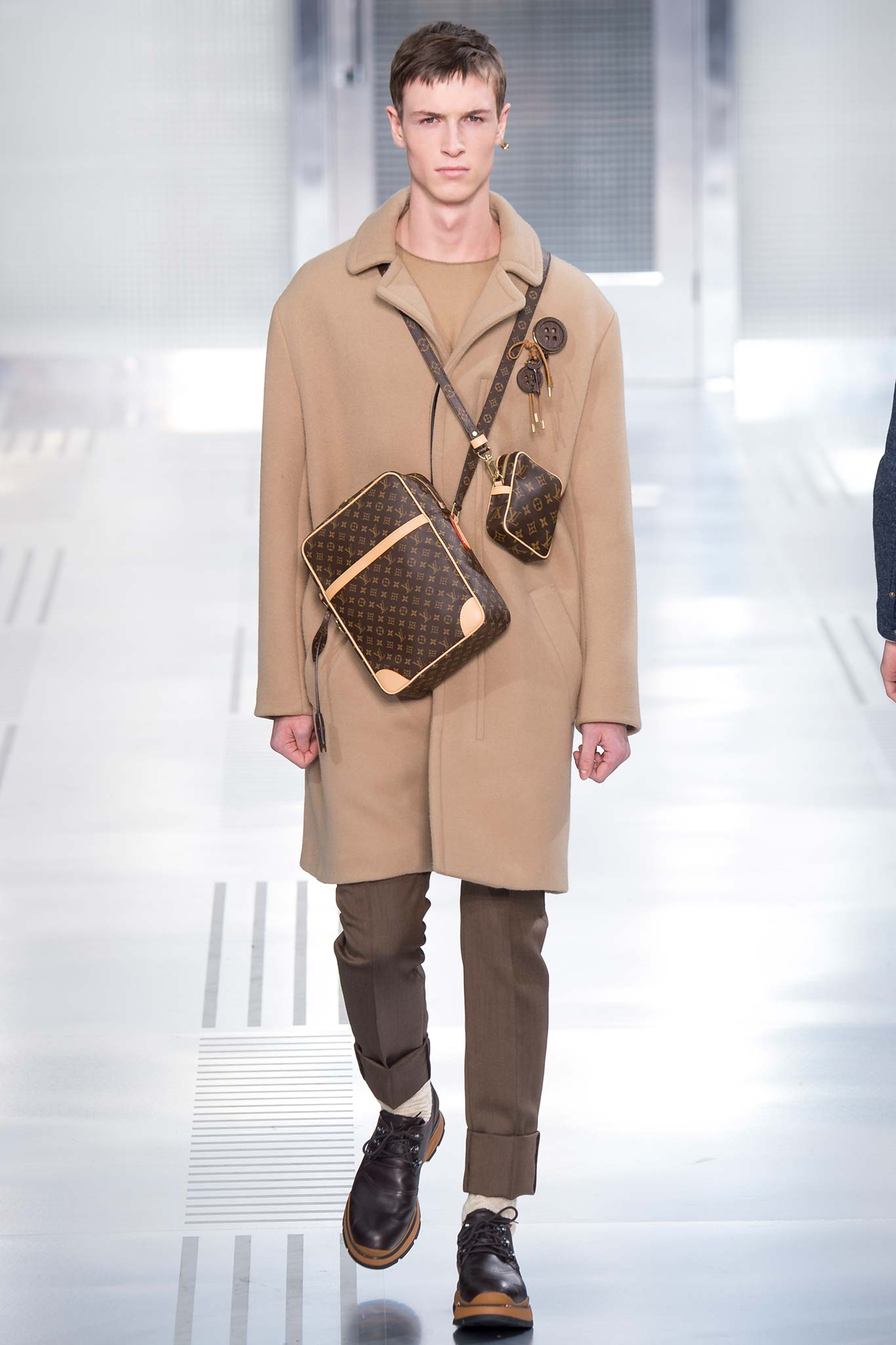 Louis Vuitton Menswear F/W 2015 Paris