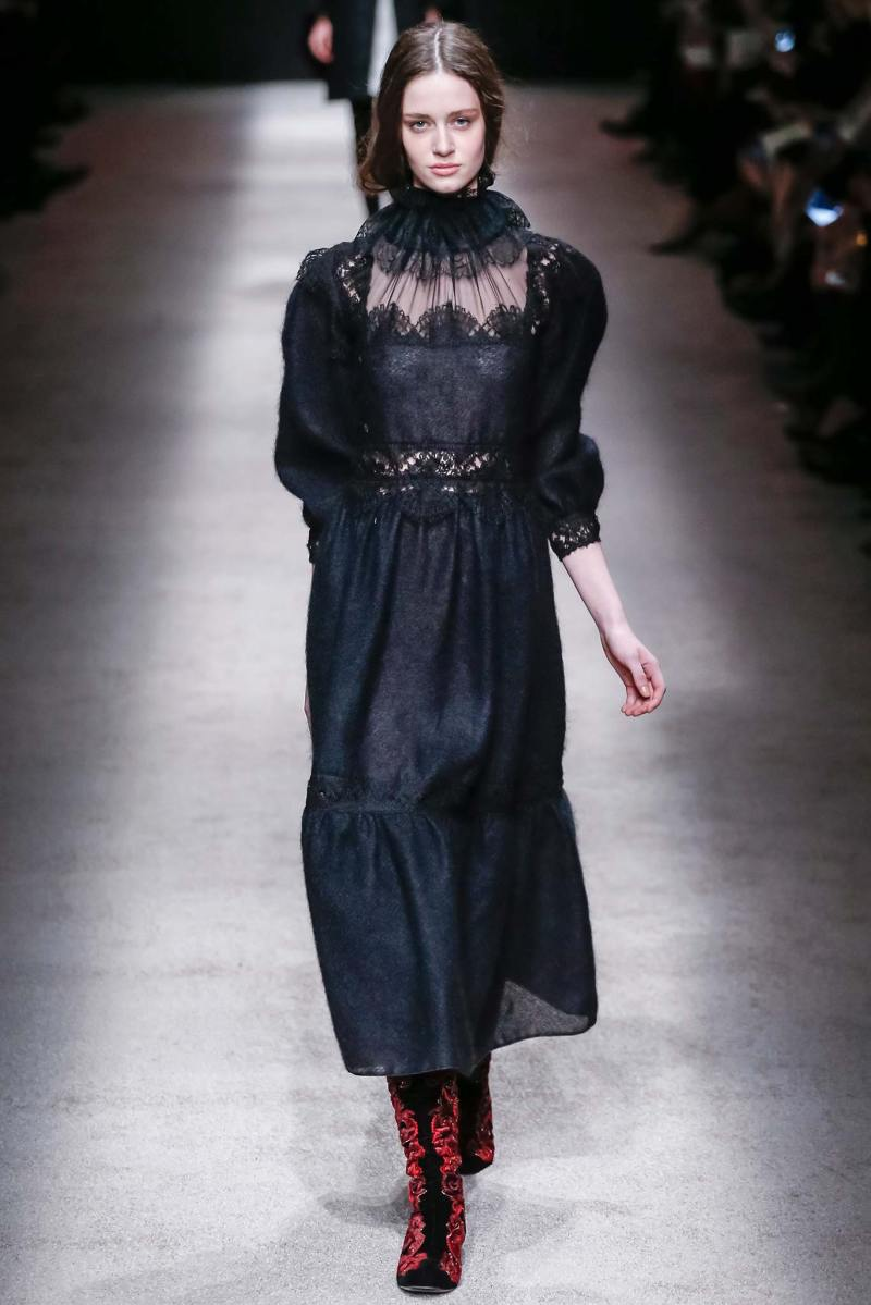 Alberta Ferretti Ready to Wear FW 2015 LFW (1)