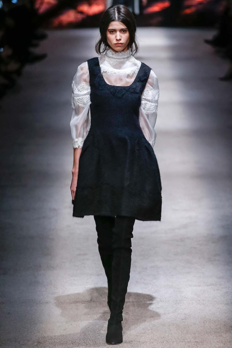 Alberta Ferretti Ready to Wear FW 2015 LFW (7)