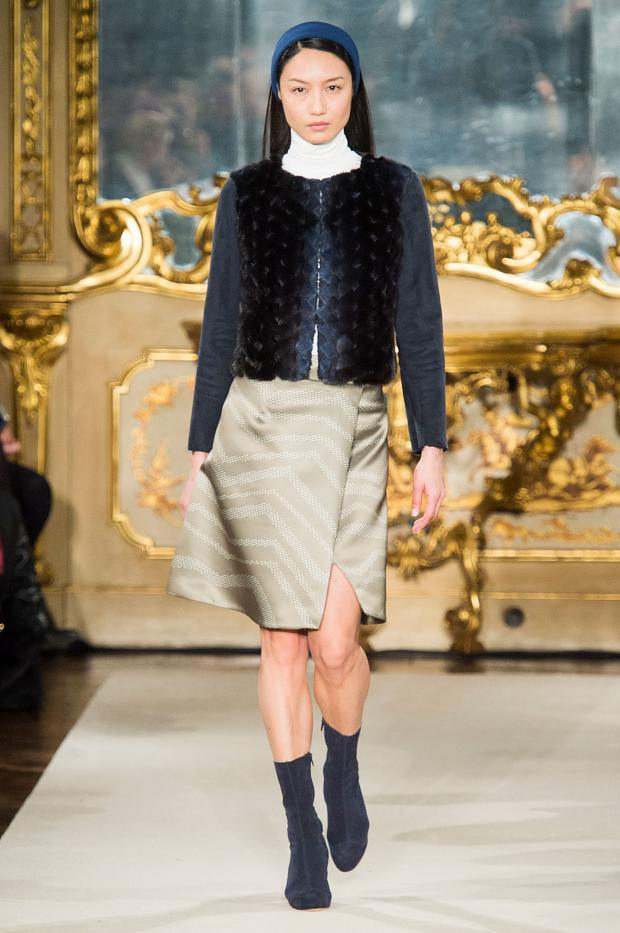 chicca-lualdi-beequeen-autumn-fall-winter-2015-mfw12