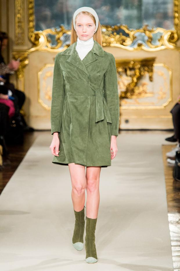 chicca-lualdi-beequeen-autumn-fall-winter-2015-mfw13
