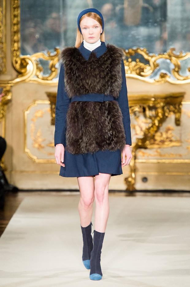 chicca-lualdi-beequeen-autumn-fall-winter-2015-mfw14