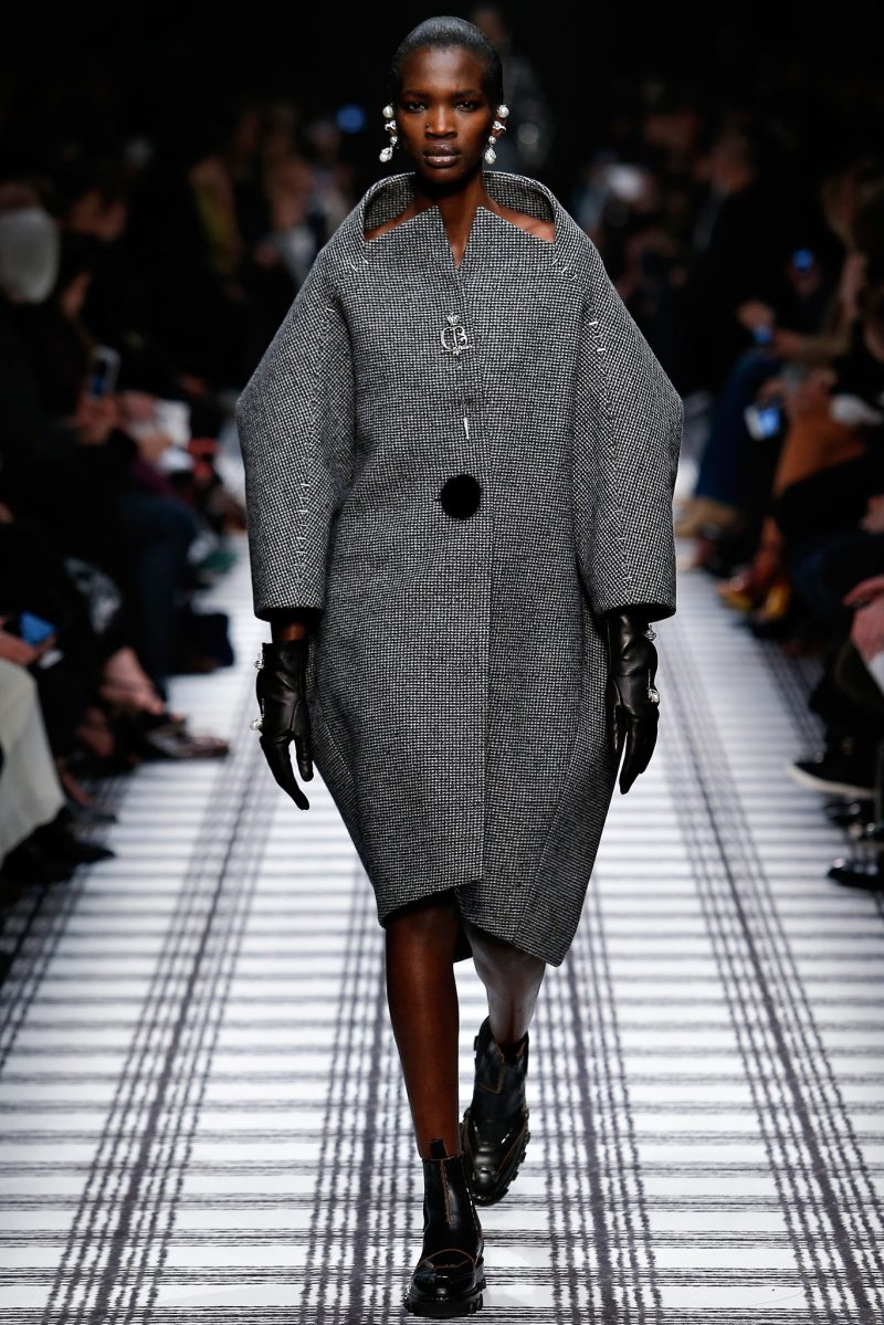 Balenciaga Ready to Wear FW 2015 PFW (1)