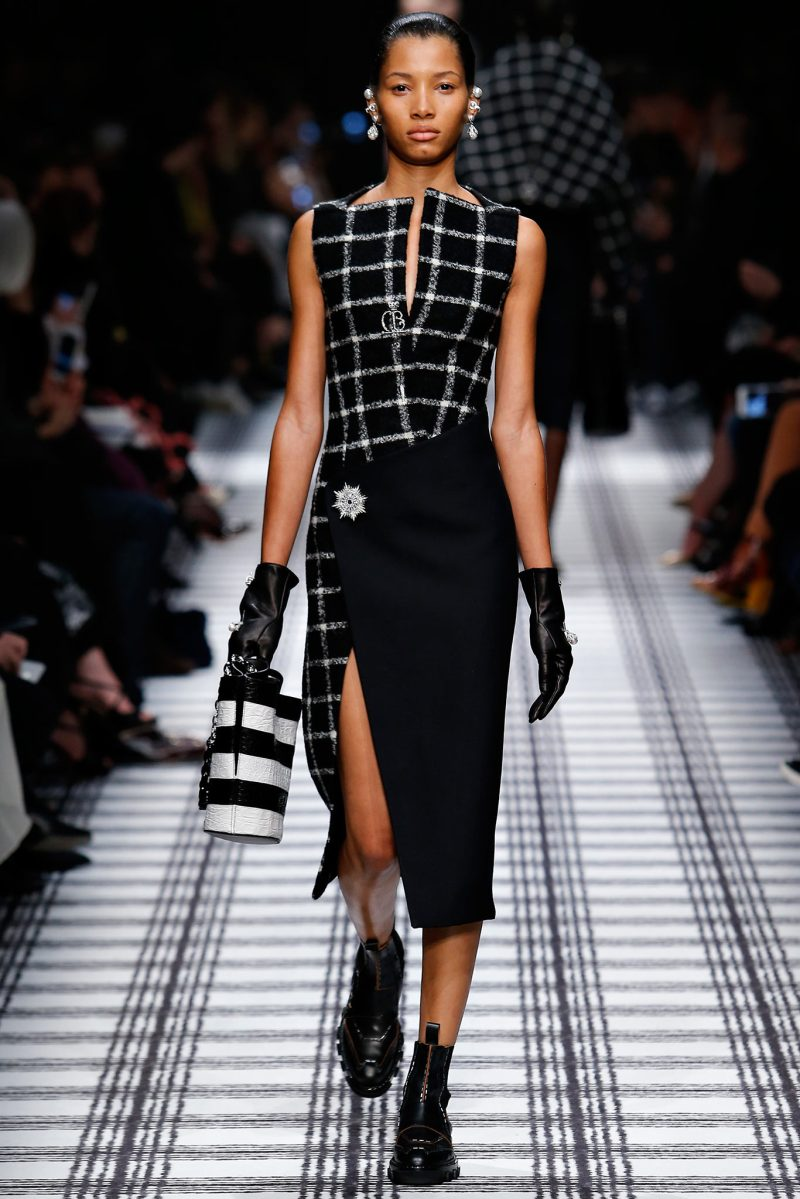 Balenciaga Ready to Wear FW 2015 PFW (3)