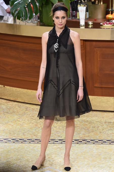 Chanel Ready to Wear FW 2015 PFW (91)