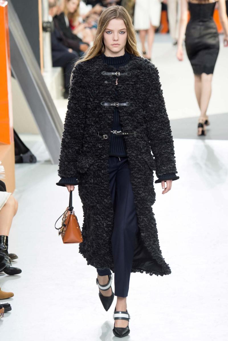 Louis Vuitton Ready to Wear FW 2015 PFW (18)