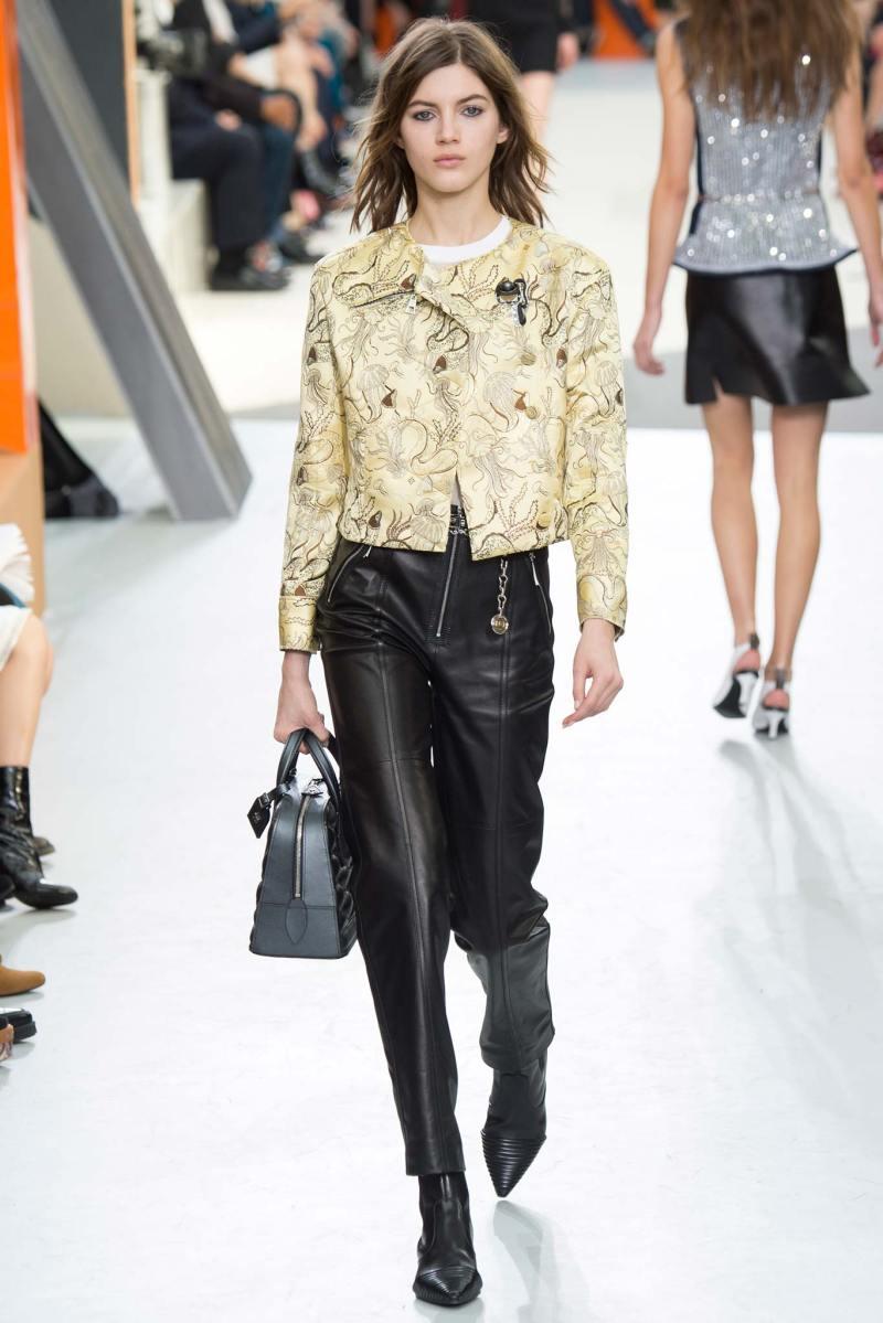 Louis Vuitton Ready to Wear FW 2015 PFW (38)