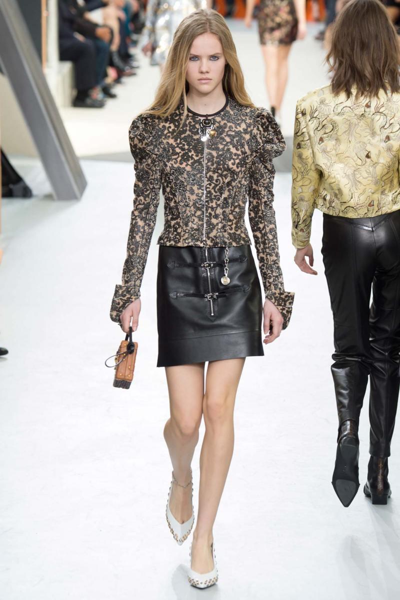 Louis Vuitton Ready to Wear FW 2015 PFW (43)