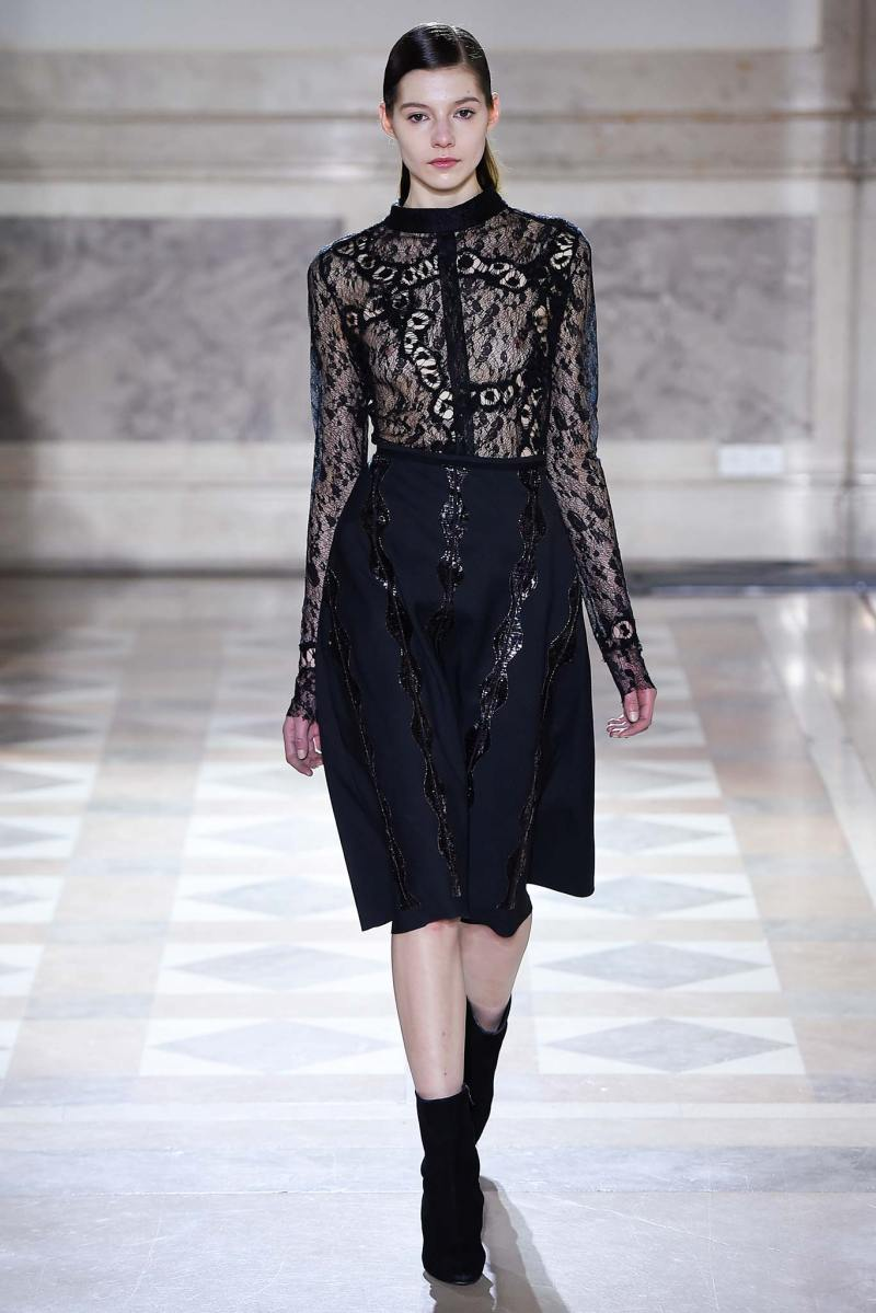 Sharon Wauchob Ready to Wear FW 2015 PFW (32)