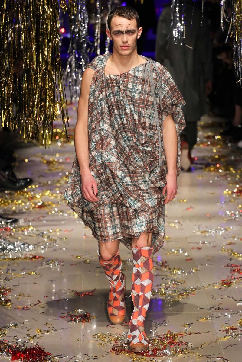Vivienne Westwood Ready to Wear FW 2015 PFW (19)