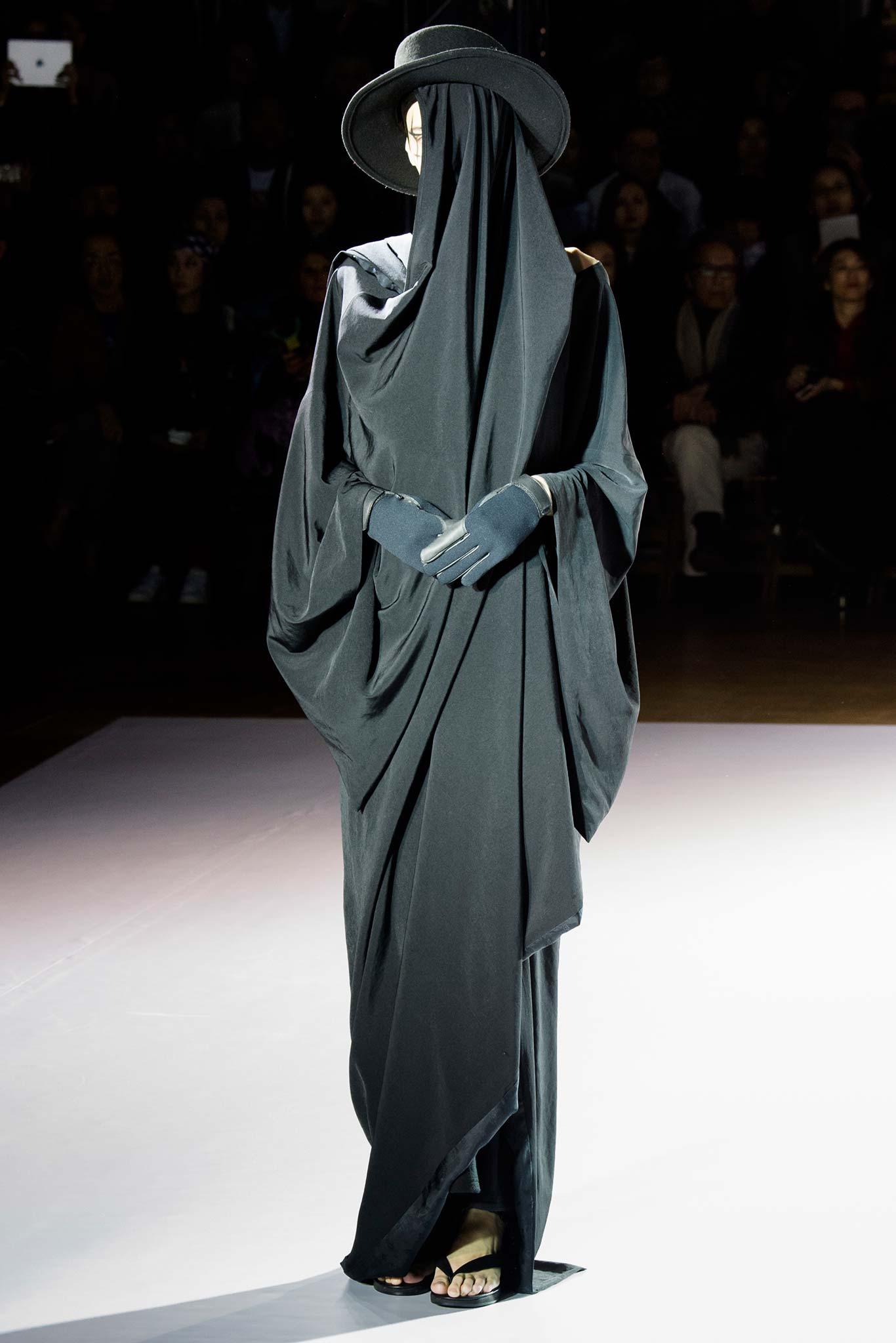 Yohji Yamamoto Ready to Wear F/W 2015 PFW