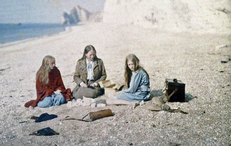 Some of the First Color Photographs by Mervyn O'Gorman  (7)