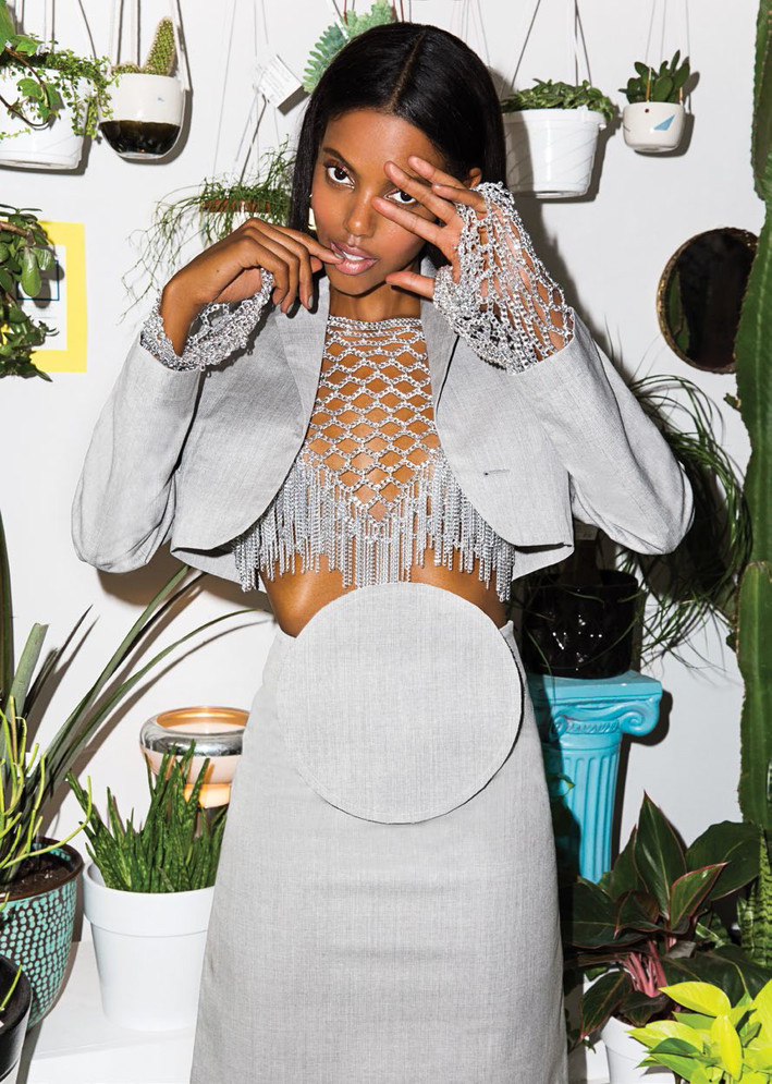grace-mahary-flare-august-2015-by-norman-wong-06