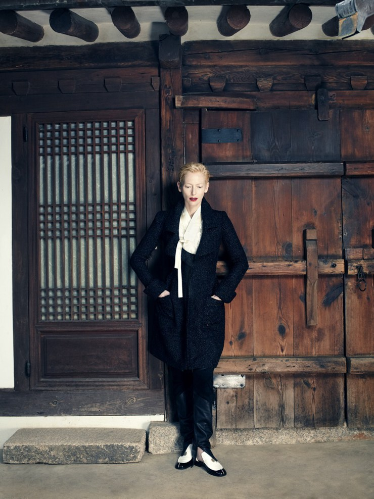 tilda-swinton-by-hong-jang-hyun-for-vogue-korea-august-2015-7