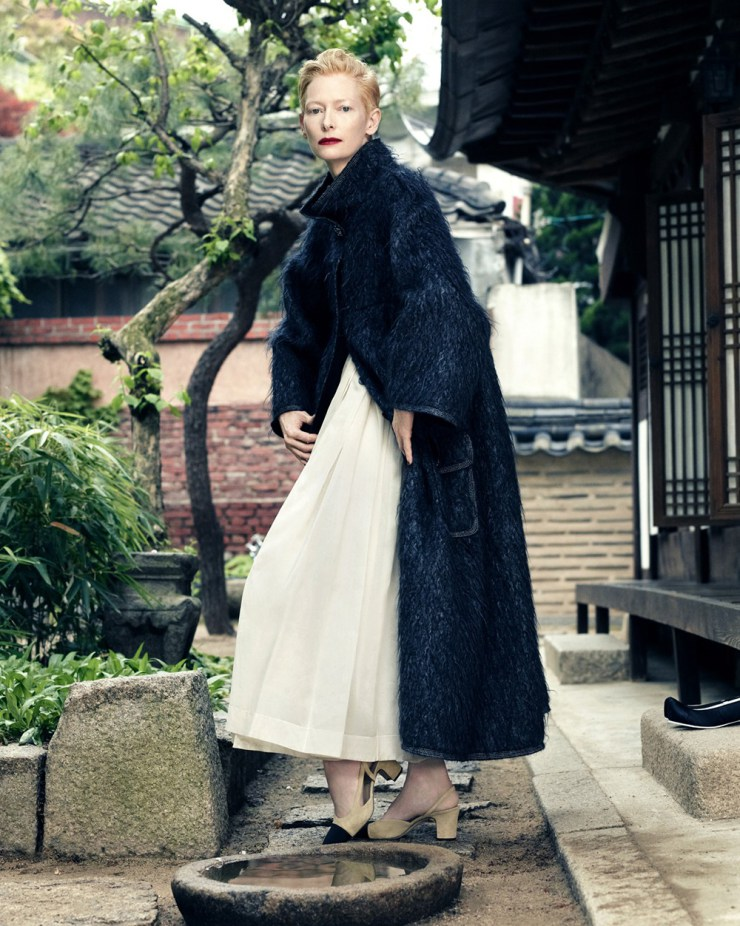 tilda-swinton-by-hong-jang-hyun-for-vogue-korea-august-2015-9