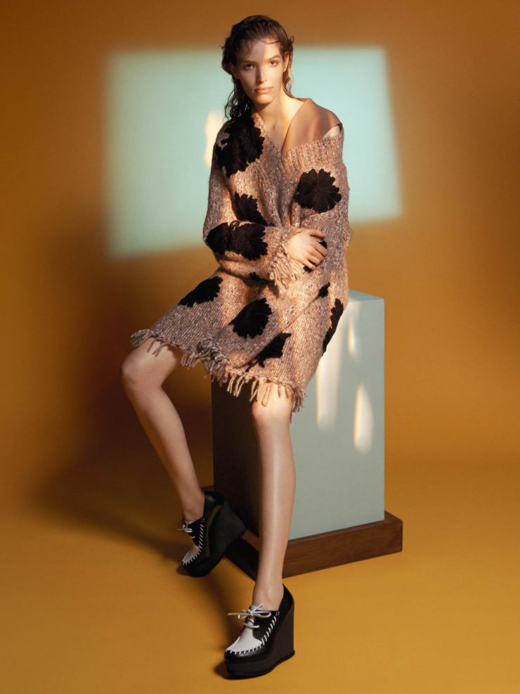 alisa-ahmann-by-david-sims-for-sportmax-fall-winter-2015-2016-6