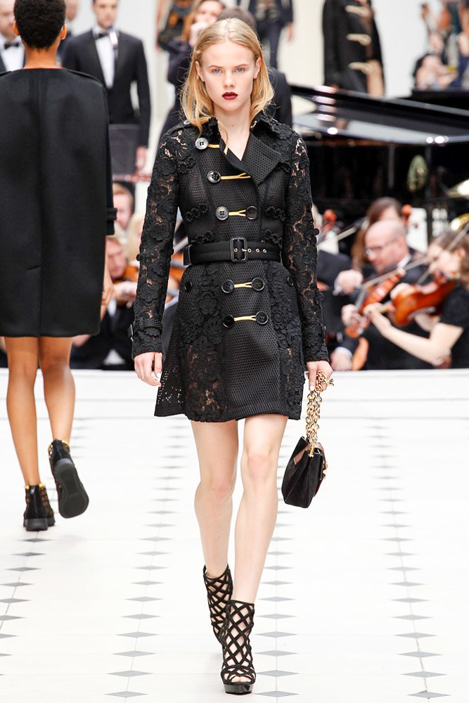 Burberry Prorsum Ready To Wear SS 2016 LFW (13)