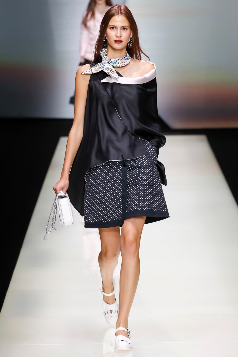 Emporio Armani Ready To Wear SS 2016 MFW (14)