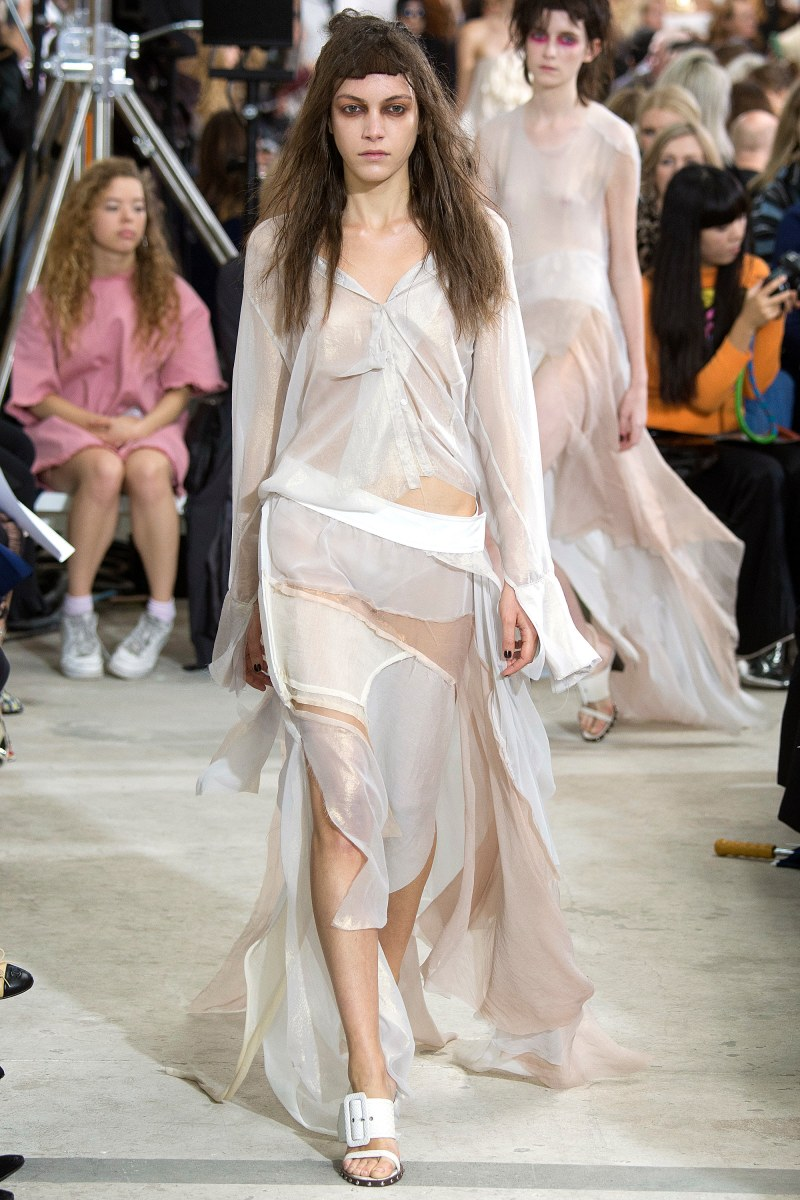Marques'Almeida Ready To Wear SS 2016 LFW (1)