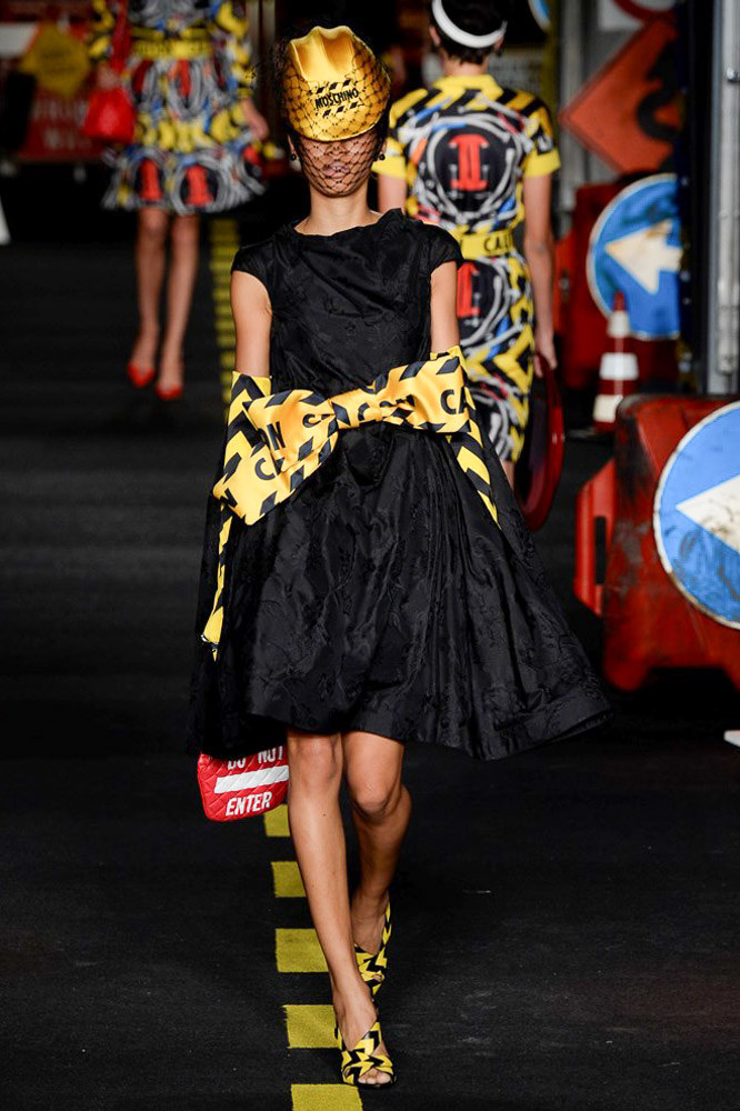 Moschino Ready To Wear SS 2016 MFW (33)