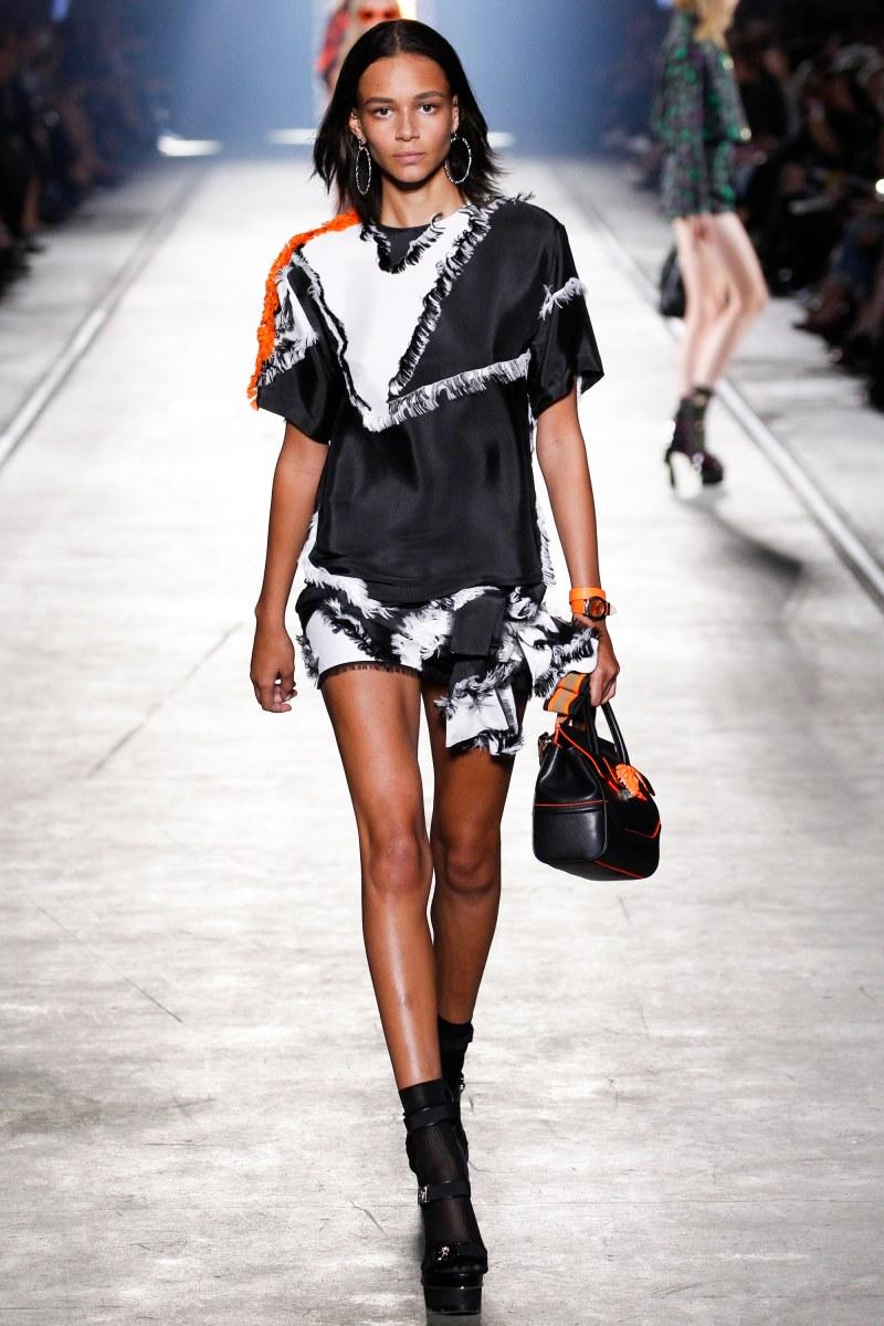 Versace Ready To Wear SS 2016 MFW (36)