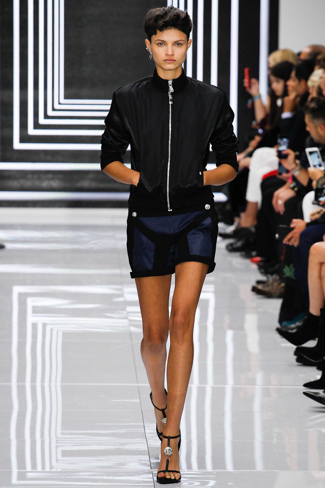 Versus Versace Ready To Wear SS 2016 LFW (3)