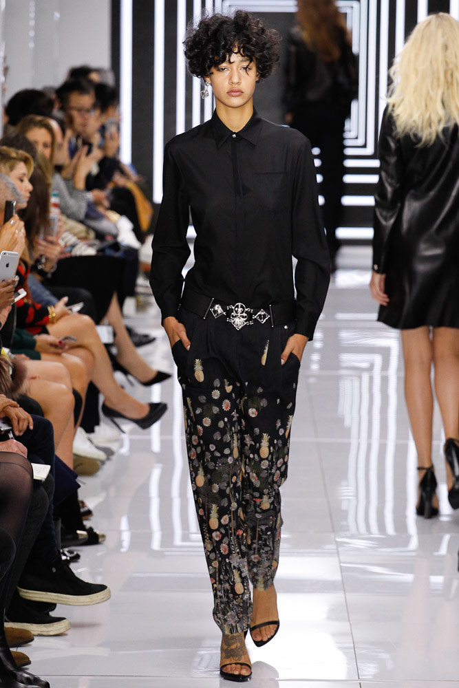 Versus Versace Ready To Wear SS 2016 LFW (39)