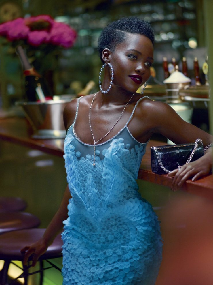 lupita-nyongo-by-mert-alas-marcus-piggott-for-vogue-us-october-2015