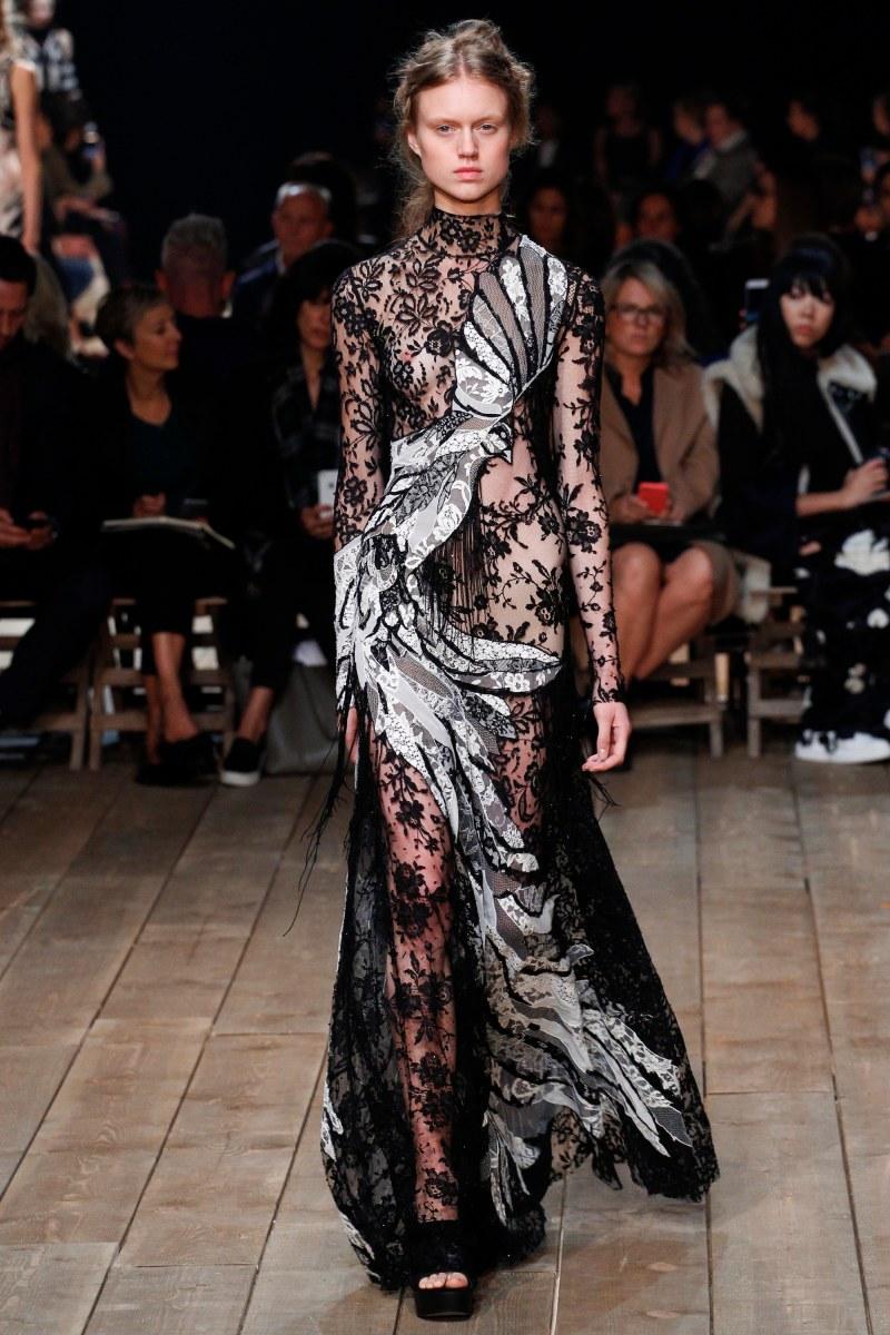 Alexander McQueen Ready To Wear SS 2016 PFW (35)