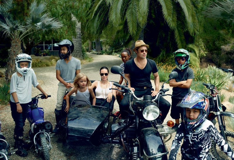 Angelina Jolie & Family by Annie Leibovitz (4)