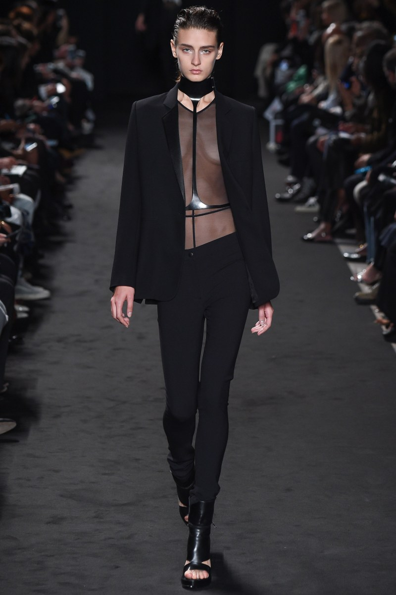 Ann Demeulemeester Ready To Wear SS 2016 PFW (1)
