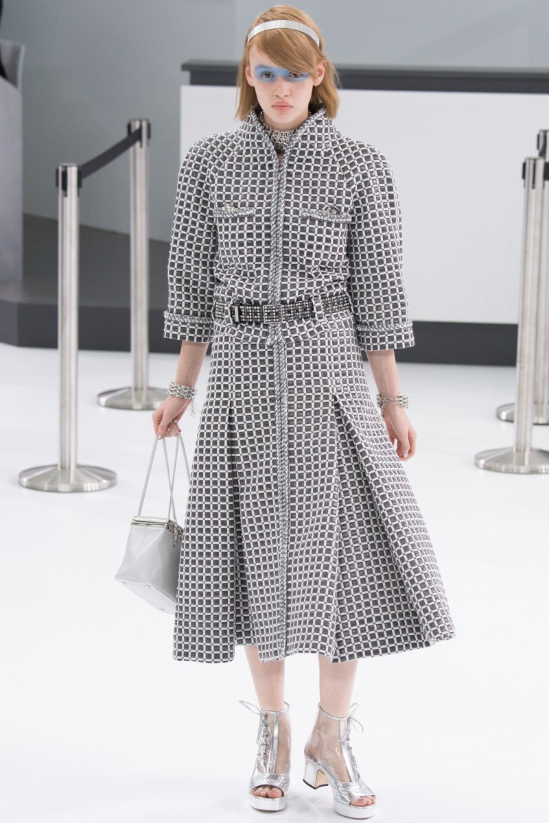 Chanel Ready To Wear SS 2016 PFW (15)