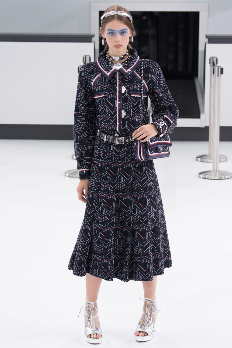 Chanel Ready To Wear SS 2016 PFW (3)