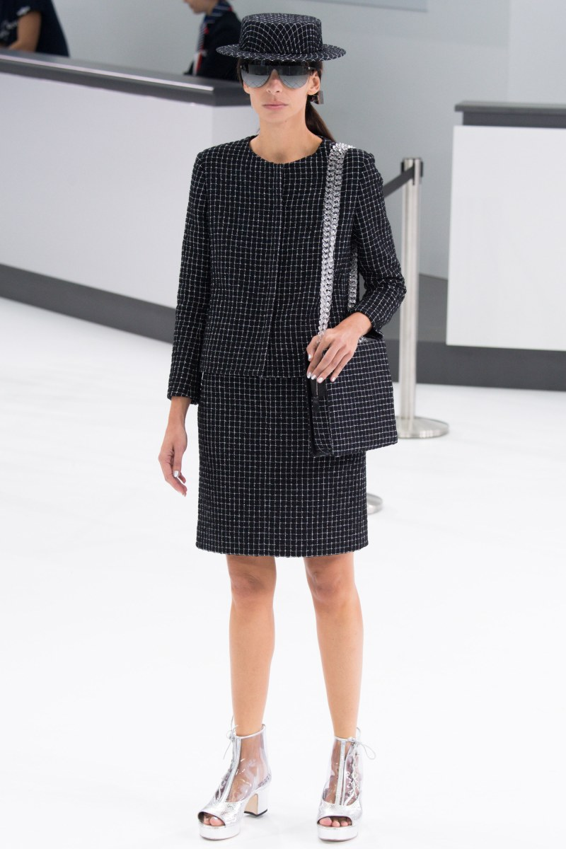 Chanel Ready To Wear SS 2016 PFW (34)