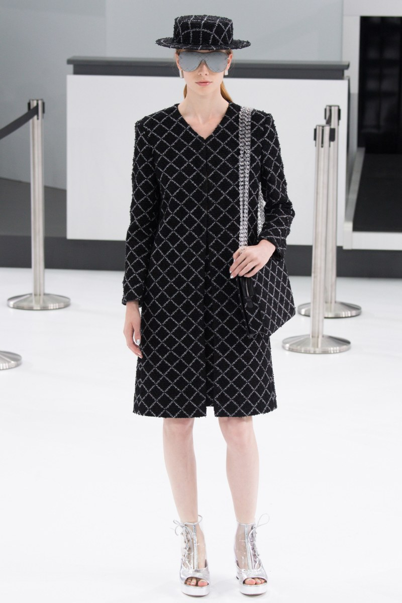 Chanel Ready To Wear SS 2016 PFW (37)