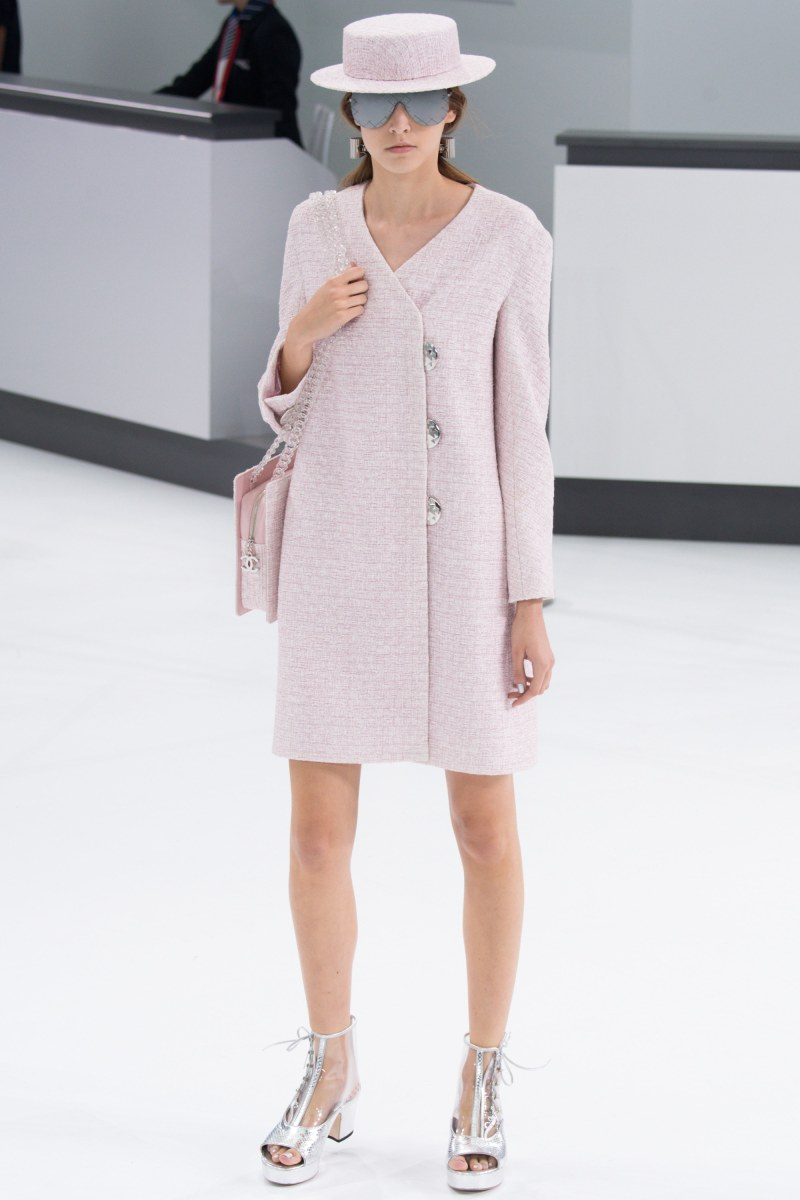 Chanel Ready To Wear SS 2016 PFW (38)