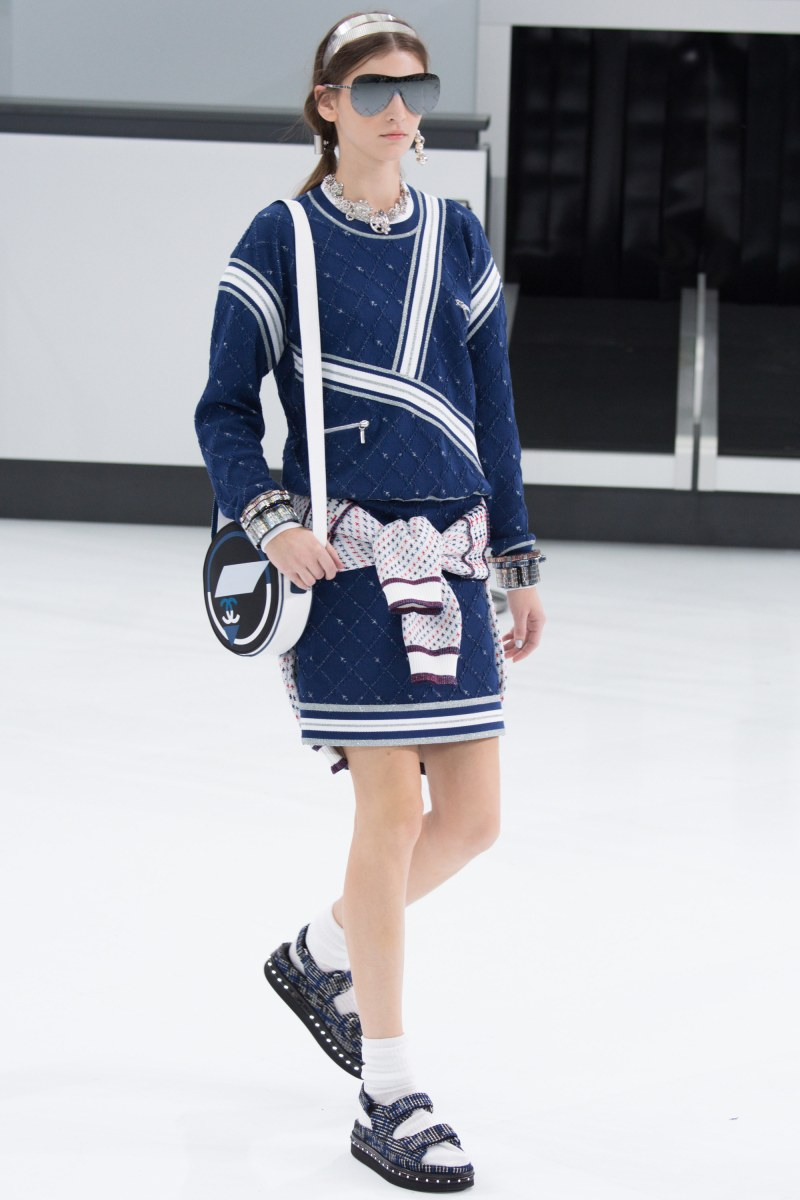 Chanel Ready To Wear SS 2016 PFW (41)