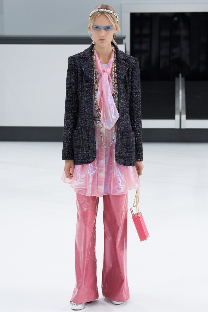 Chanel Ready To Wear SS 2016 PFW (56)