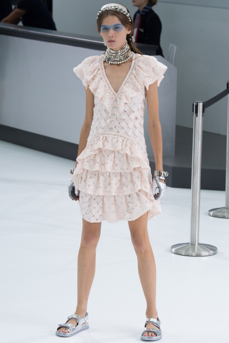 Chanel Ready To Wear SS 2016 PFW (68)