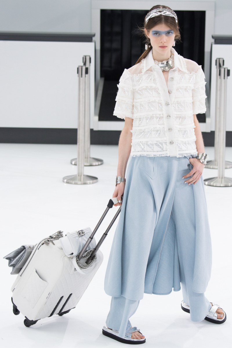 Chanel Ready To Wear SS 2016 PFW (83)
