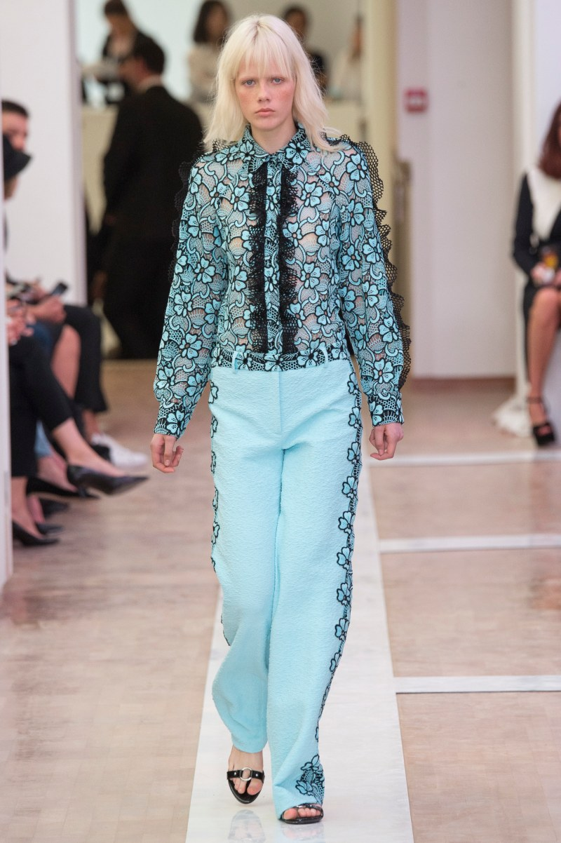 Emanuel Ungaro Ready To Wear SS 2016 PFW (1)