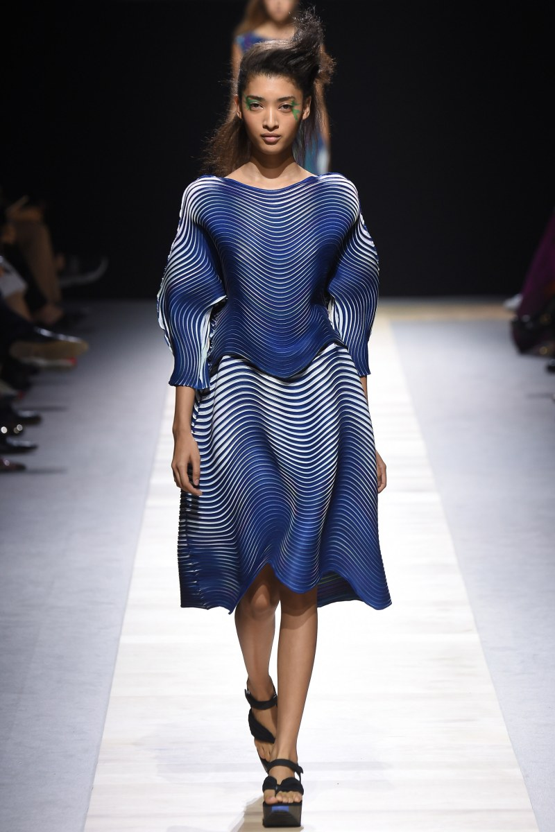 Issey Miyake Ready To Wear SS 2016 PFW (35)